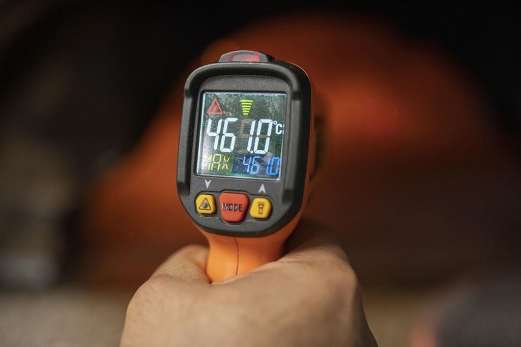 Lämpötilan mittauslaite.